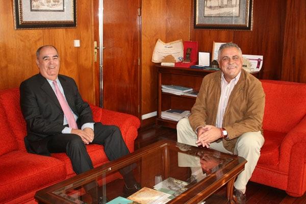 Acuerdo de colaboración para la formación de trabajadores portuarios en Granadilla de Abona