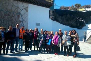 Tradicional ofrenda de nuestros mayores a la Patrona de Canarias