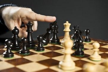 'Intereses partidistas' o 'el primero que mueva ficha, pierde'