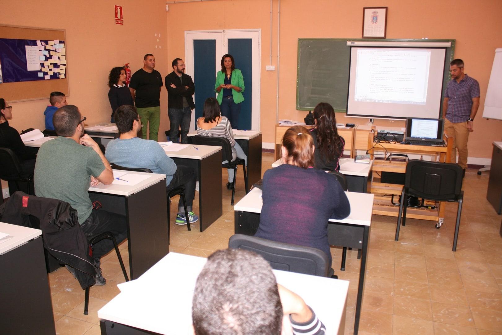 El programa de formación y empleo 'Socorrismo en Playas'