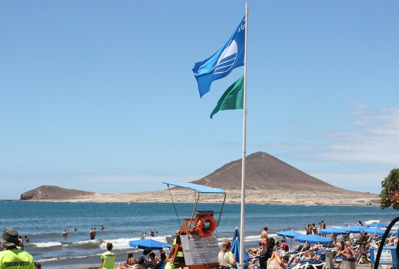 La 'Bandera Azul' de la Playa de El Médano, entre las doce concedidas a la Isla de Tenerife en la nueva temporada 2017-2018