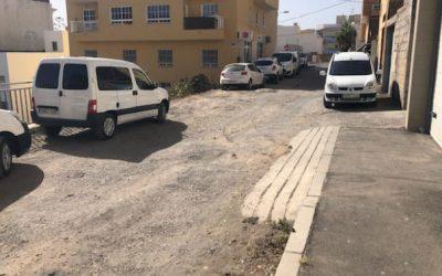 La calle Rosario la Maestra, en el corazón de San Isidro, abandonada a su suerte