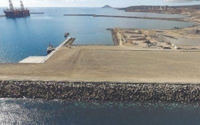 La Autoridad Portuaria señala la instalación de una regasificadora flotante y el traslado de la Refinería de Santa Cruz entre otras acciones a desarrollar en el Puerto de Granadilla